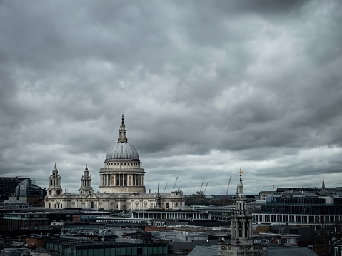 A view of St Pauls Cathedral on an overcast day