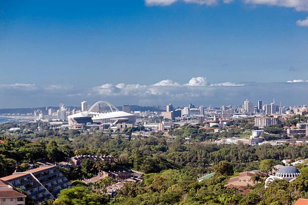 Blick auf die Stadt und die Landschaft in der Vorstadt von Durban, Südafrika – Foto
