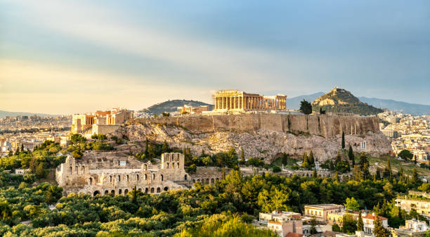 ギリシャのアテネのアクロポリスの眺め - アテネ ストックフォトと画像