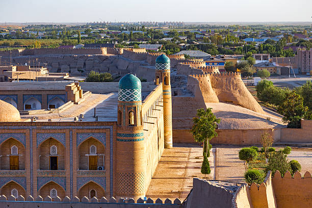 view of the ancient wall of khiva, in uzbekistan. - oezbekistan stockfoto's en -beelden