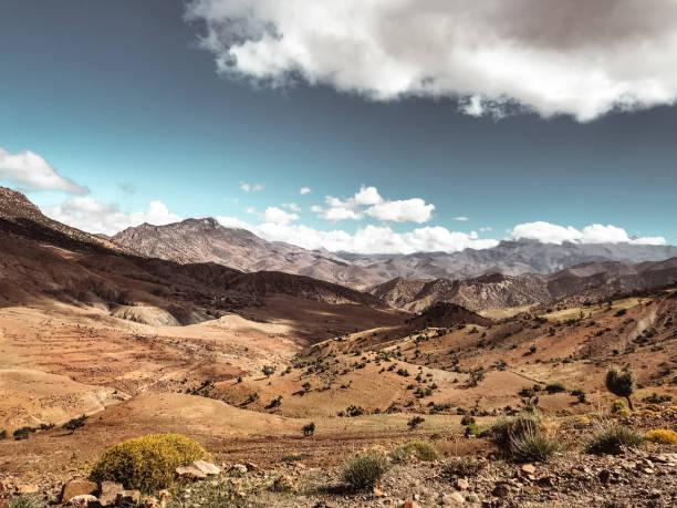 vy över atlas mountais i marocko - rabat marocko bildbanksfoton och bilder