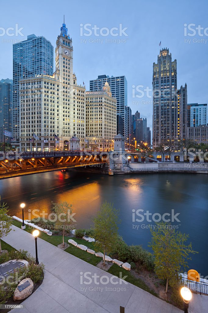 A view of the Chicago riverside with a bridge and skyscraper stock photo