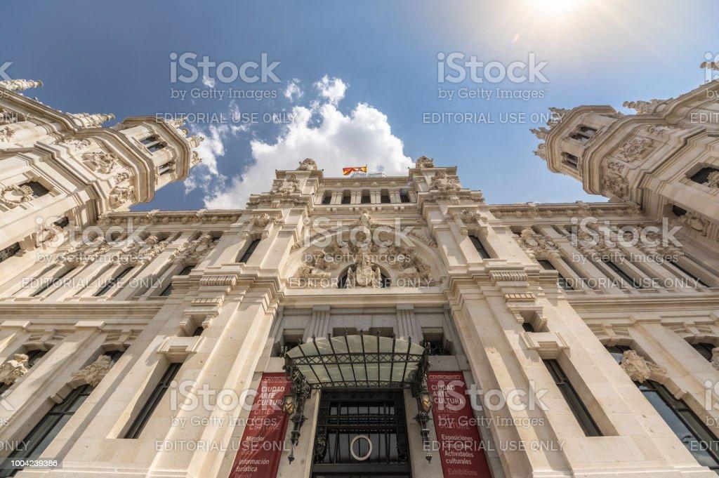 Foto De Vista Do Palácio De Cibeles Em Madrid Espanha E Mais