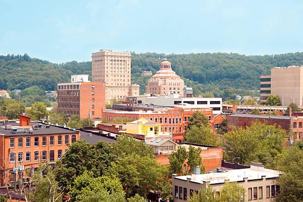 Edificios de la ciudad de Asheville, Carolina del Norte - foto de stock
