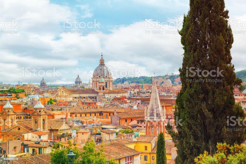 Foto De Vista Da Cidade De Roma De Cima A Colina Do Terrazza