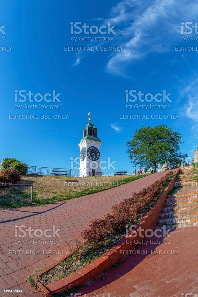 Vue sur la tour de l'horloge de la forteresse de Petrovaradin à Novi Sad, Serbie - Photo de Amour libre de droits