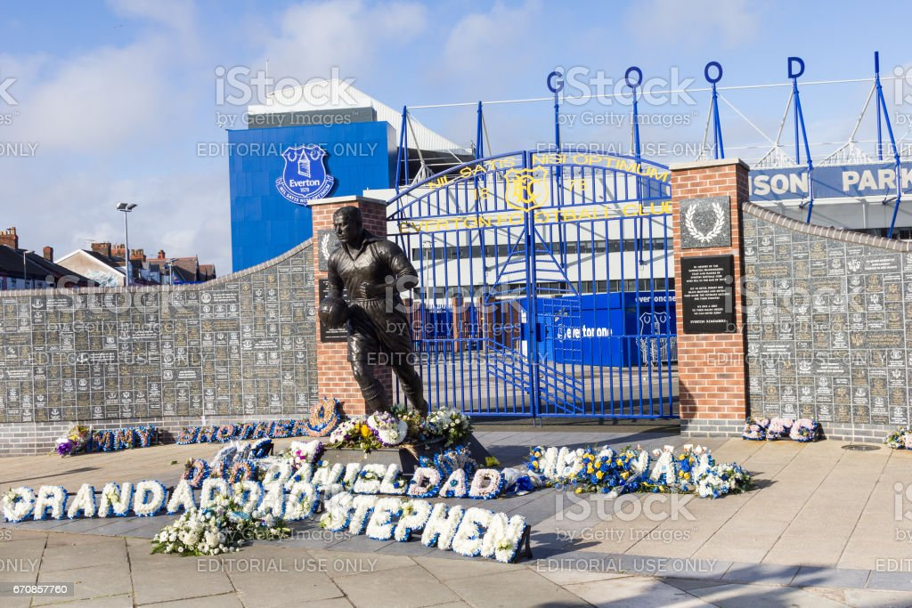 View of the  Everton Football Club'nstadium and statue of Dixie Dean stock photo