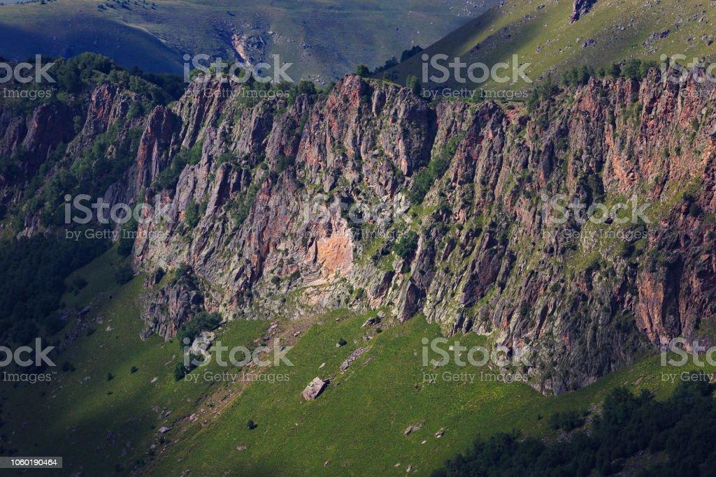 c86c2beb0 Vista De Las Faldas Del Monte Elbrus Del Norte Cáucaso Rusia Foto de ...