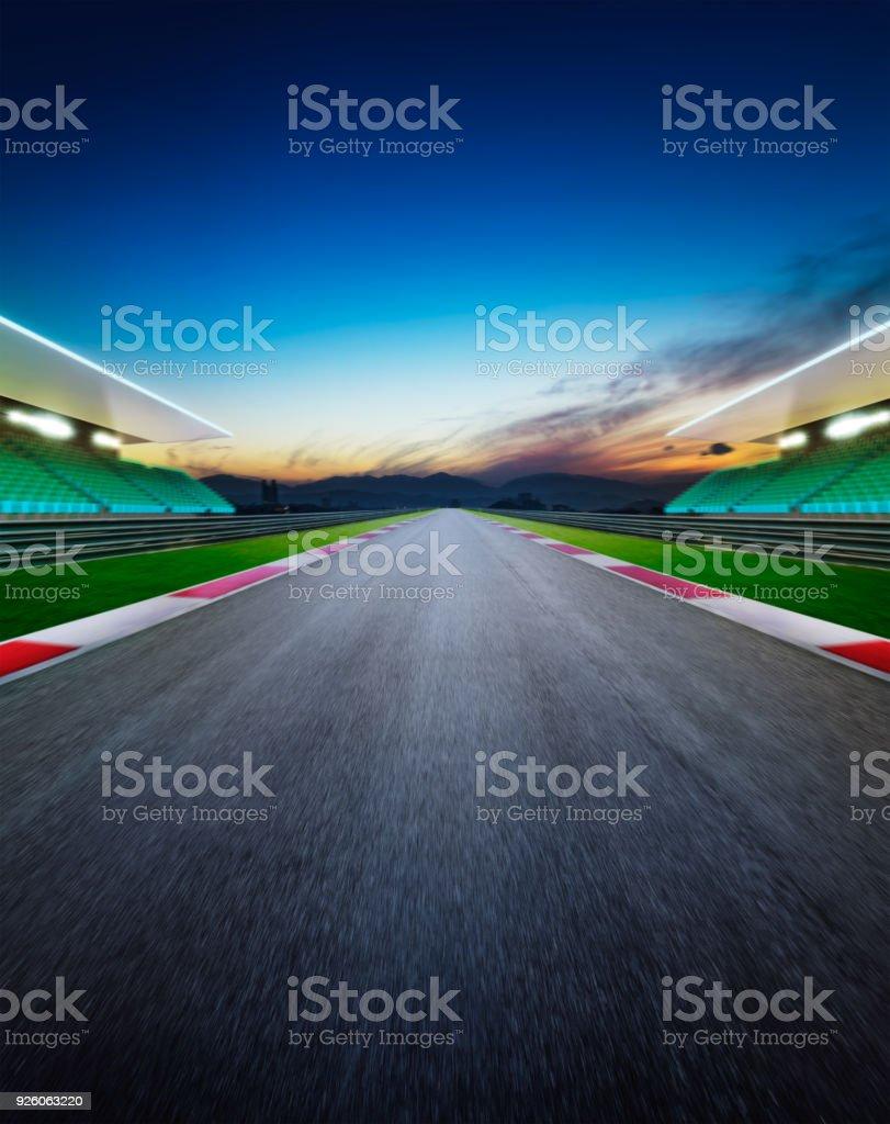 Utsikt över infinity tom asfalt internationella race track bildbanksfoto