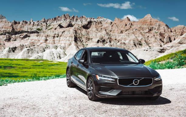 vy över nya volvo s60 t6 coupe - volvo bildbanksfoton och bilder