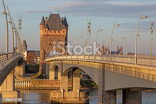 istock View of the Nibelungen Tower and Nibelungen Bridge in Worms without traffic and people 1286324758
