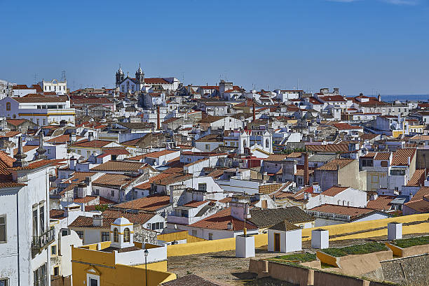 view of the old town of elvas, alentejo, portugal. - fotos de portalegre imagens e fotografias de stock