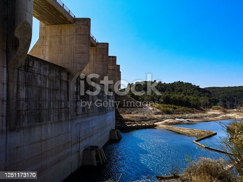 View of the Palancia River dam upon arrival in Algar