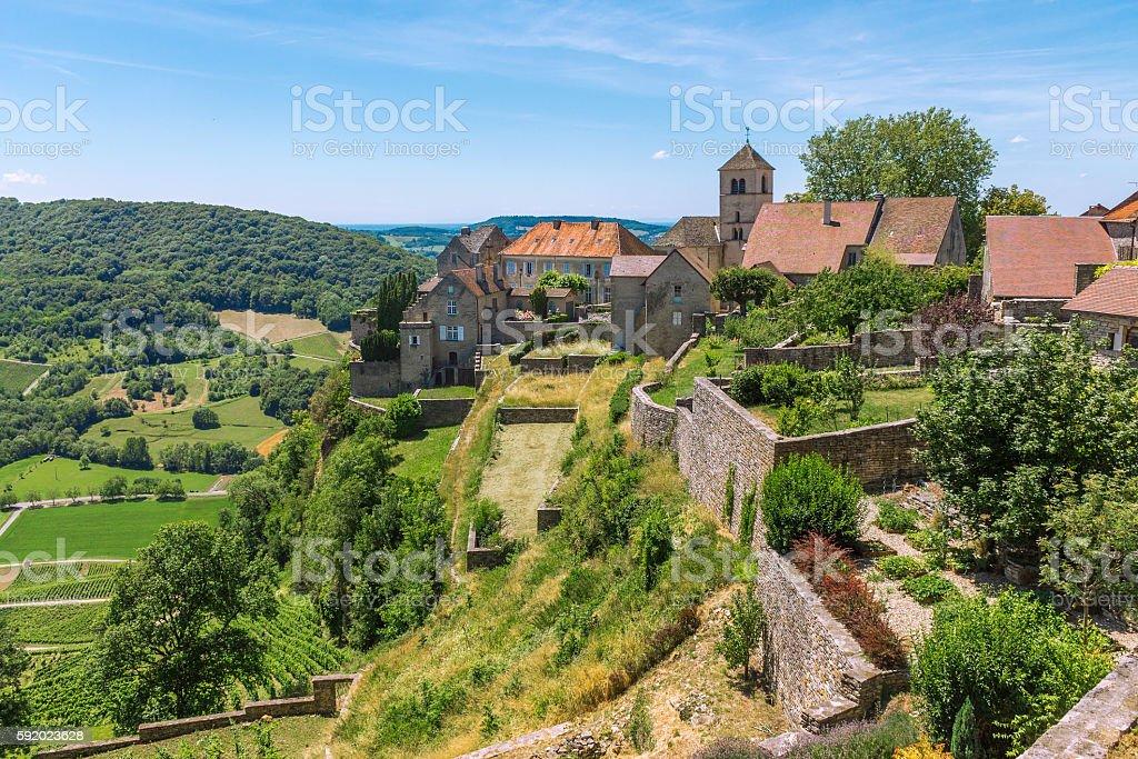 View of the picturesque medieval village in valley - Lizenzfrei Architektur Stock-Foto