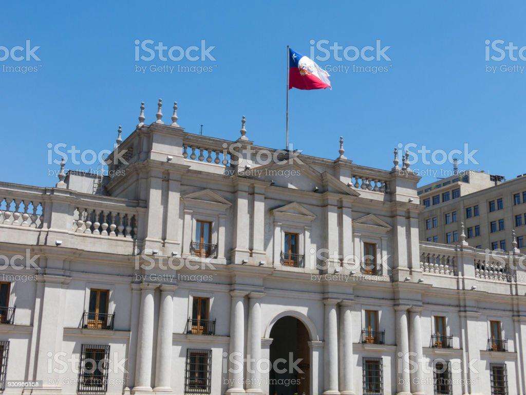 Vista do palácio presidencial, conhecido como La Moneda, em Santiago, Chile - foto de acervo