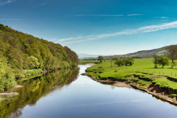 Ein Blick auf den Fluss Lune in der Nähe von Lancaster – Foto