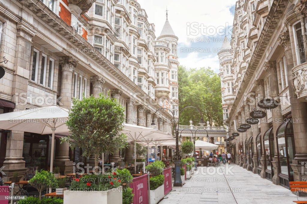 Blick auf die sizilianische Avenue in London – Foto