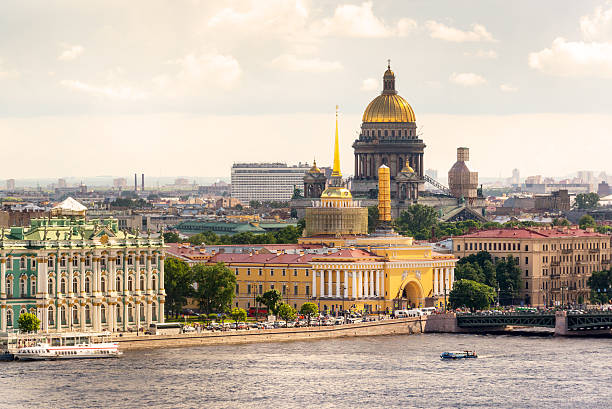 view of the st. petersburg - isakskatedralen bildbanksfoton och bilder