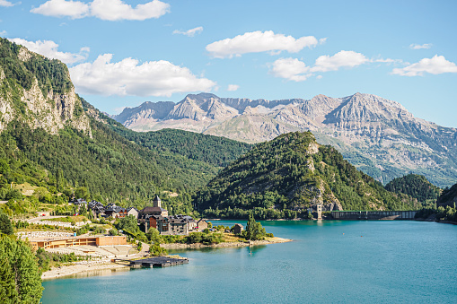 istock View of the town of Lanuza and the reservoir of the river Gallego in the Pyrenees of Aragon in Spain 1154378599