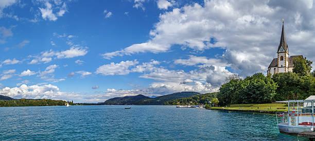 view of the worthersee lake, carinthia, austria - wörthersee stock-fotos und bilder