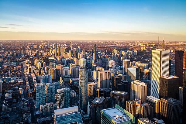 view of toronto city from above - toronto, ontario, canada - 토론토 온타리오 뉴스 사진 이미지