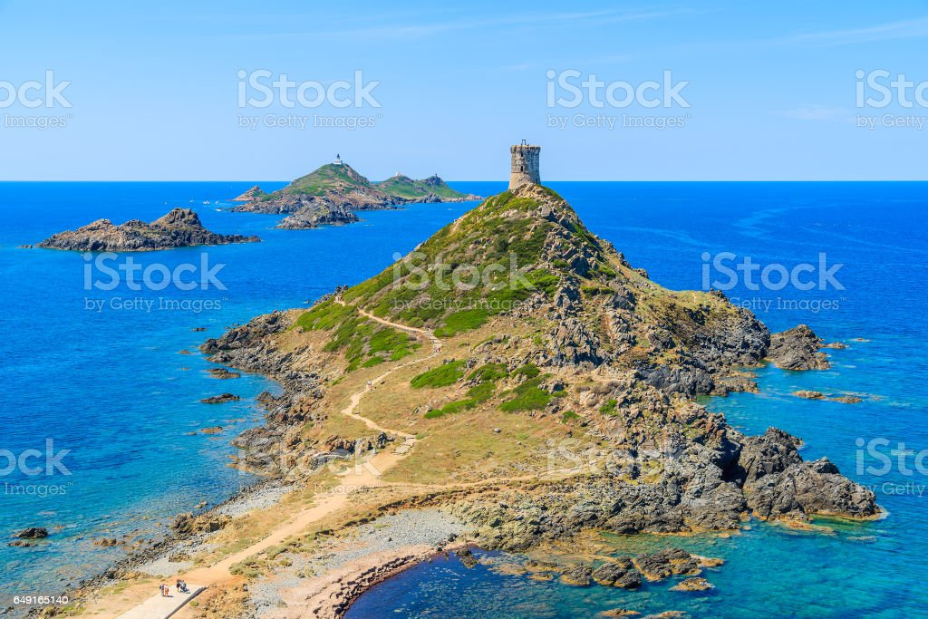 Vista de la torre del cabo de la Parata, isla de Córcega, Francia - foto de stock