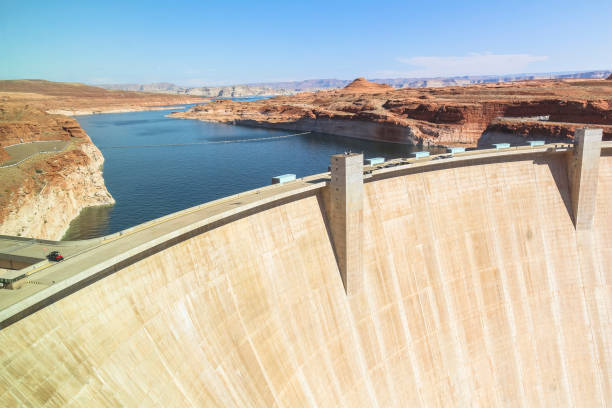 view on glen canyon dam in arizona - diga foto e immagini stock