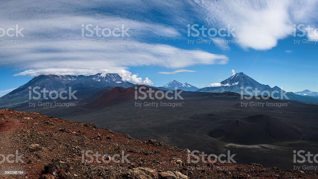 View on Klyuchevskaya group from Tolbachik Volcano royaltyfri bildbanksbilder