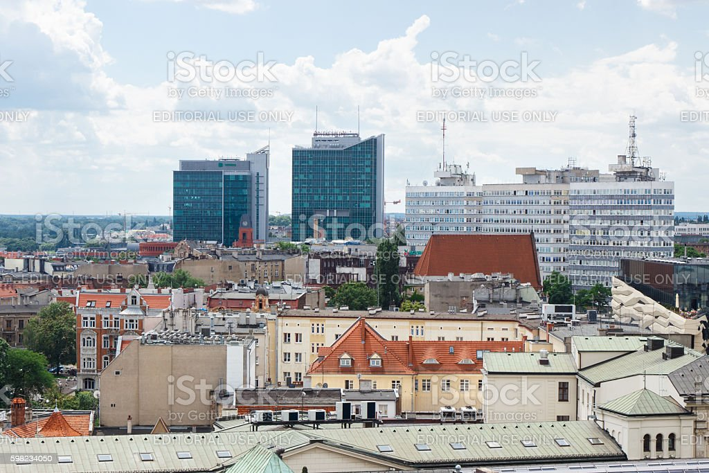View on old and modern buildings in polish town Poznan foto royalty-free