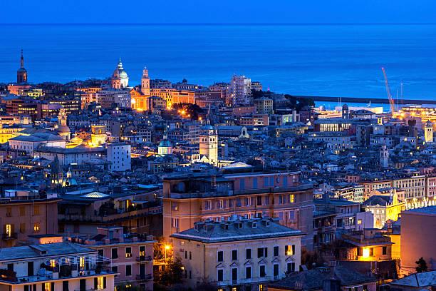 Blick auf Old Town in Genua, Italien – Foto