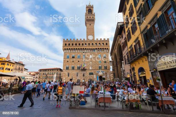 View on square of signoria in florence in florence that is full of picture id695578100?b=1&k=6&m=695578100&s=612x612&h=iyzn2p ncbxuhsl2zh zmew9usdh7lsytilxqy6lgsk=