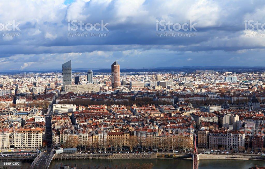 Découvre sur la ville d'en haut - Photo