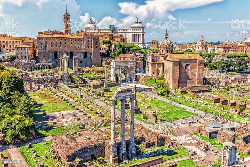 ローマのフォーラムでビュー カ...