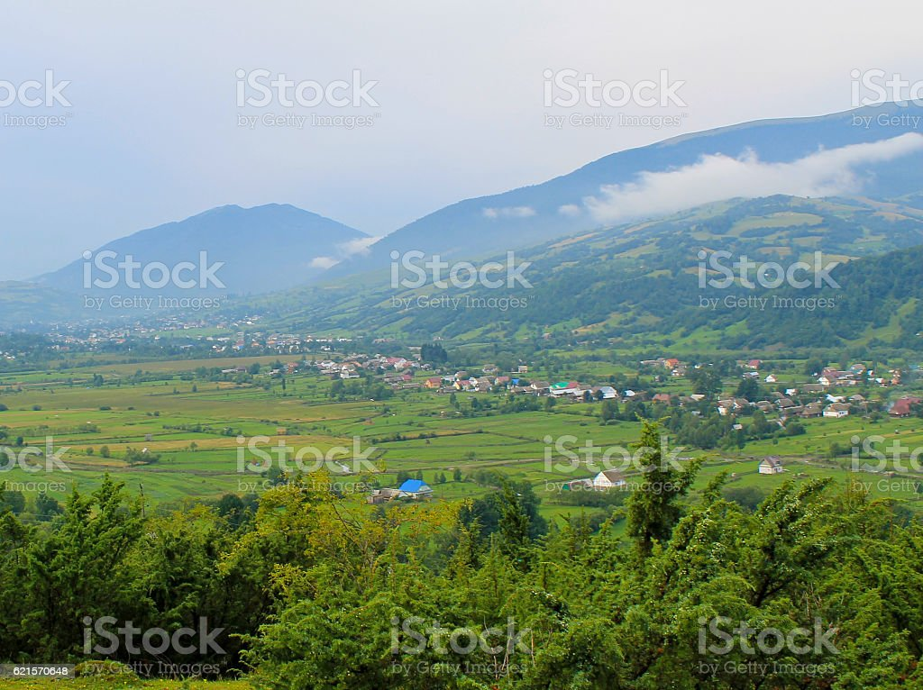 View on the village in Carpathians, Ukraine photo libre de droits