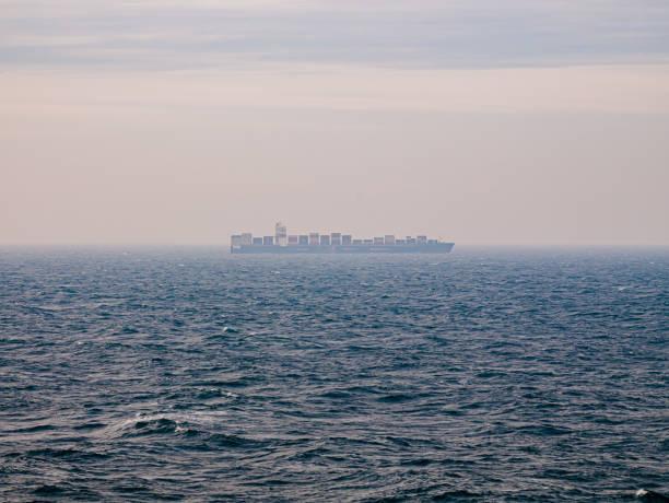 Blick auf die Wellen mitten im Atlantik – Foto