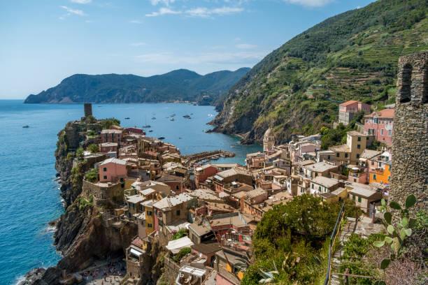 Blick auf das Dorf Vernazza, den Nationalpark Cinque Terre, Italien, Ligurien – Foto