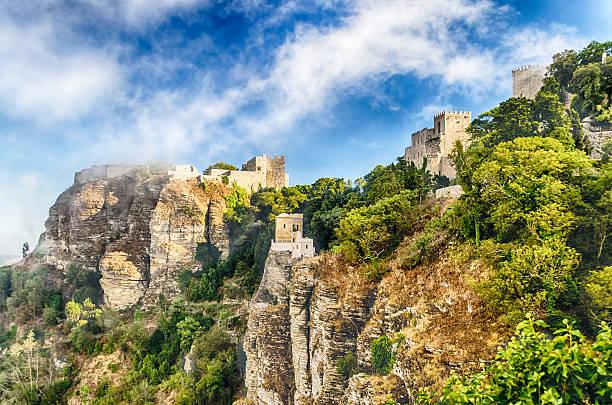 Vista castello di Venere nel medievale di Erice, la Sicilia - foto stock
