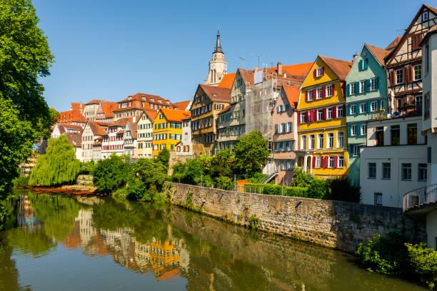 Blick über Altstadt und Neckar Fluss in Tübingen – Foto
