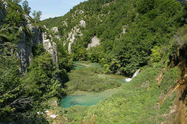 view over plitvice national park - plitvice lakes stockfoto's en -beelden