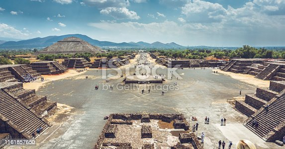 View over the Teotihuacán complex, with the pyramid of the sun in the background.