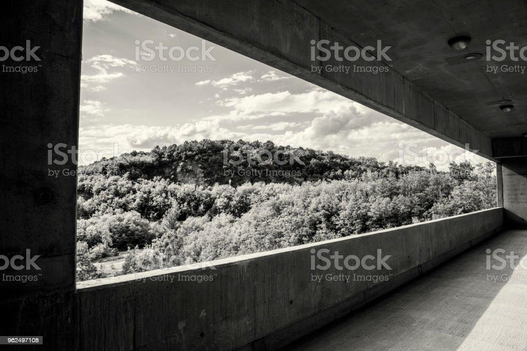 ponto de vista da varanda grande - Foto de stock de Arte royalty-free