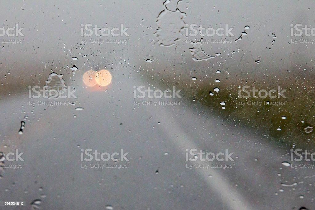 View through a vehicle windshield in a rain storm photo libre de droits
