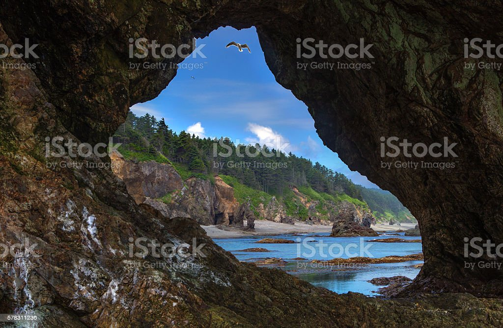 view through the cave – Foto