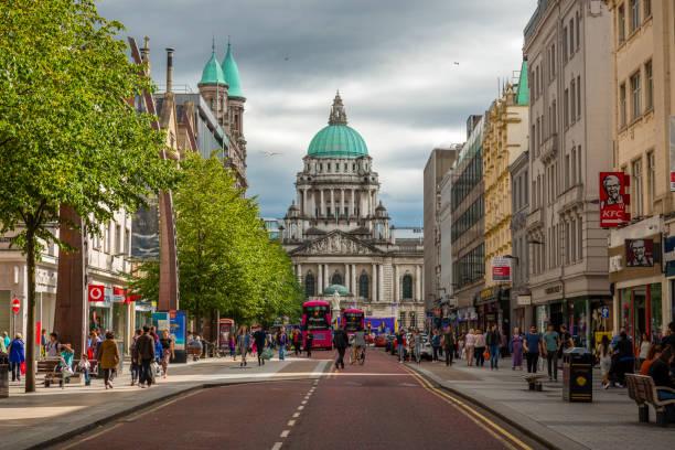 Ve al pasillo de ciudad de Belfast - foto de stock