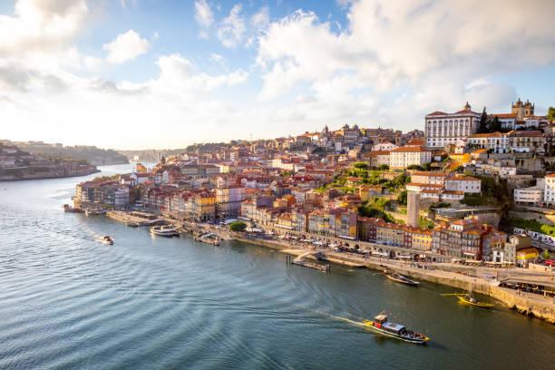 view to porto over river douro - douro imagens e fotografias de stock