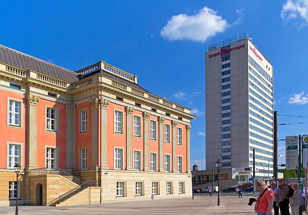 blick nach potsdam und das new castle - hotel potsdam stock-fotos und bilder