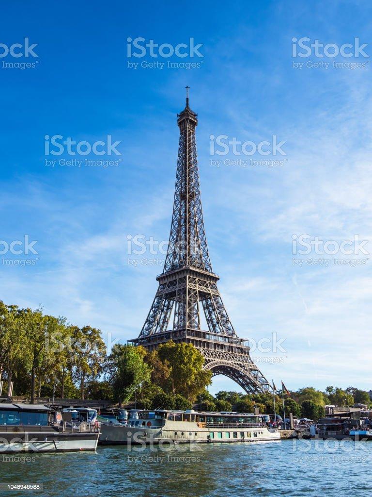 Blick auf den Eiffelturm in Paris, Frankreich – Foto