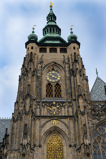 Met Het Oog Op De Voorgevel Van De Stvitus Kerk In Praag Kasteel Praha Tsjechië Stockfoto en meer beelden van Antiek - Toestand