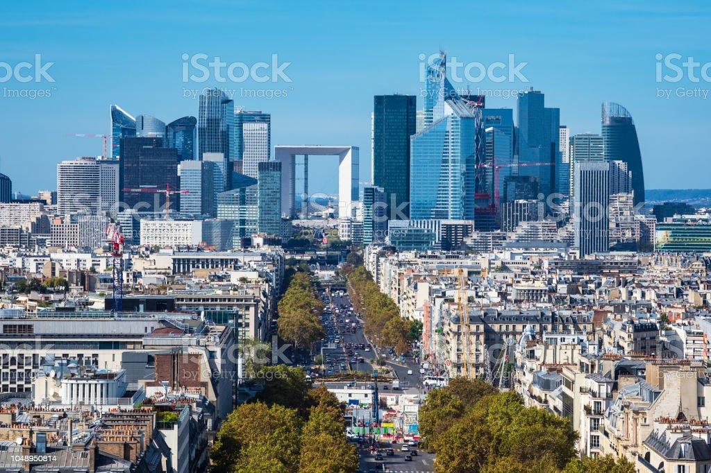 Blick auf das Hochhaus La Defense in Paris, Frankreich – Foto