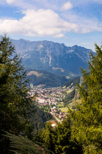 Blick zum Dorf Eisenerz in der Steiermark, Österreich – Foto